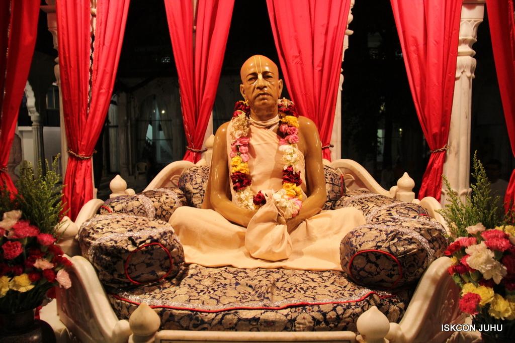 ISKCON Juhu Mangal Deity Darshan on 8th Sep 2016 (1)