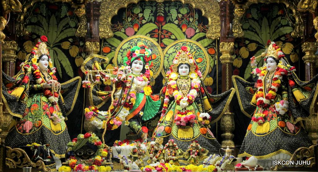 ISKCON Juhu Sringar Deity Darshan on 19th Nov 2016 (2)
