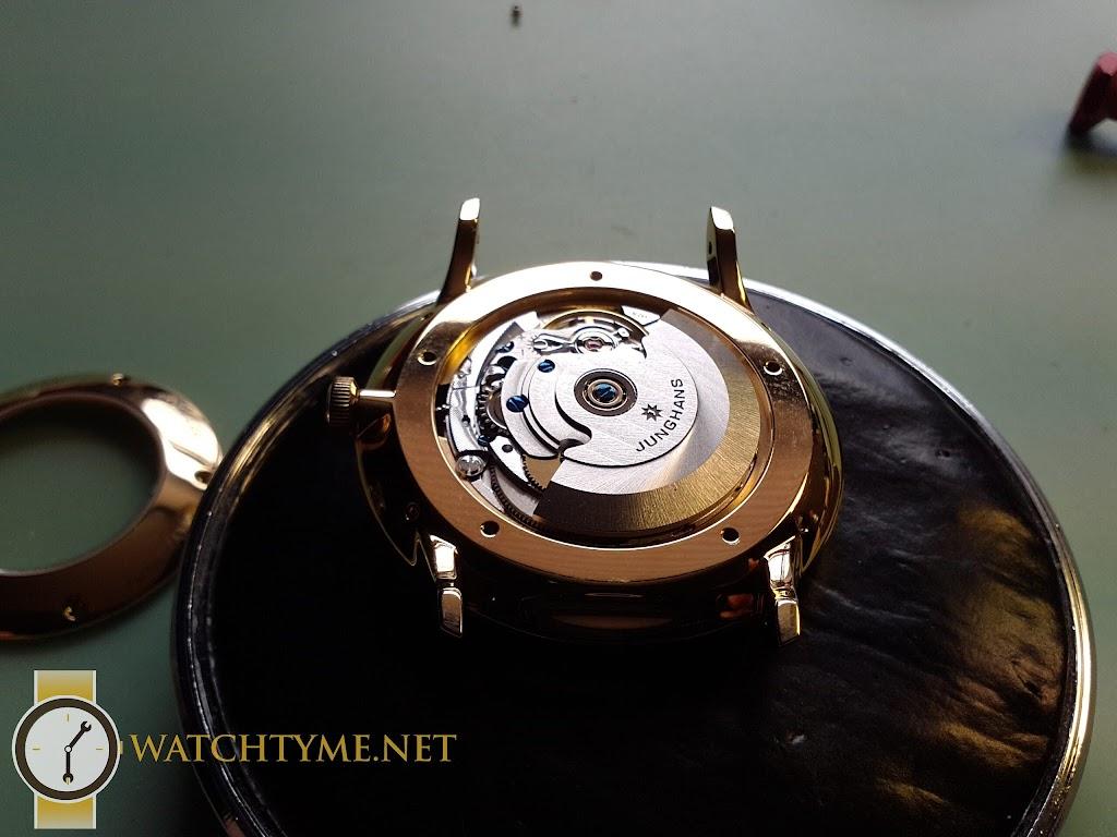 Watchtyme-Junhans-Meister-Calendar-2015-09-042