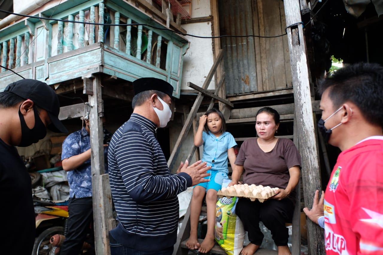 Wabup Gowa Kunjungi Warga Penerima Bansos Demi Pastikan Penyaluran Tepat Sasaran
