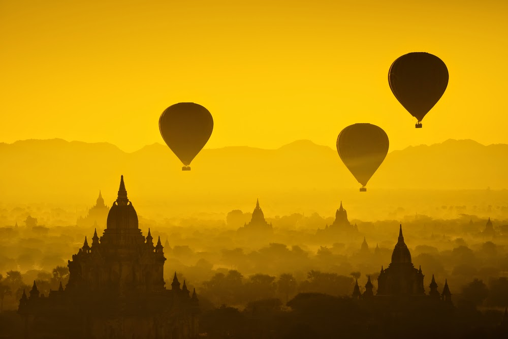 Sunrise hot ballon ride in Bagan