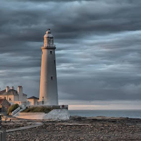 St Mary's Lighthouse. by Richard Adams - Buildings & Architecture Public & Historical ( water, decommisioned, hdr, novice, sunset )