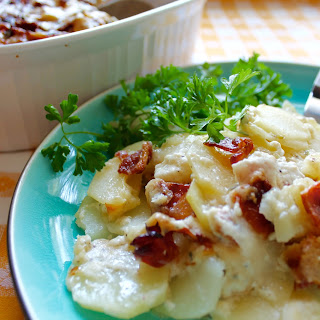 Cheesy Bacon Scalloped Potatoes {Amish Family Recipes}