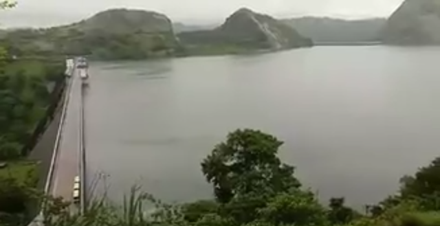 Screenshot from a video showing a top view of the entire Idukki dams including the arch dam, reservoir and Cheruthoni, 31 July 2018. The reservoir is at capacity after the worst monsoon floods in nearly 100 years. Photo: Jipson Sikhera / Times of India
