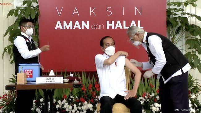 Presiden Jokowi Akan Terima Vaksin Covid-19 Tahap Kedua di Istana Merdeka