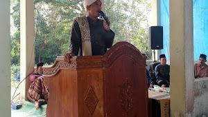 Tradisi Ziarah Kubur Sambil Dengarkan Tausiyah di Desa Suak Putat