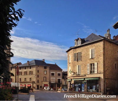 French Village Diaries cycling holidays Haute-Vienne Limousin Grange 87 Eyemoutiers Lac Vassivière