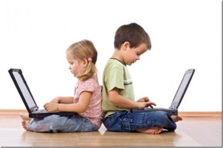 memperkenalkan teknologi pada anak