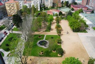 Photo: Parque de Campolongo co colexio ó fondo  CEIP Campolongo