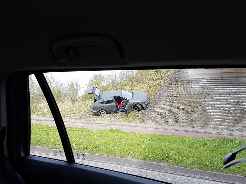 02_Foto_Annemieke_ongeval_1e_Barendrechtseweg.jpg