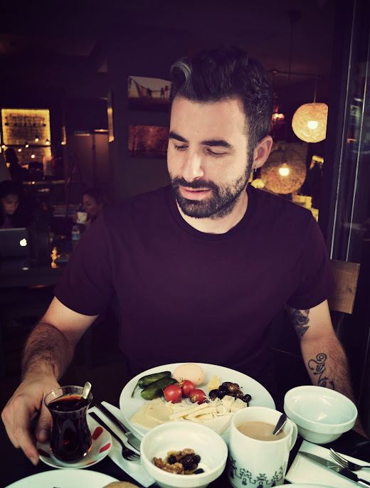 Gunes having breakfast at Santral Dukkan in Galata, IStanbul
