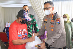 Kapolres Pasuruan Meninjau Vaksinasi Kolaborasi Di KUD Sumberejo, Kecamatan Sukorejo