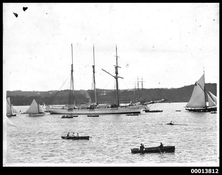 Steam_yacht_SUNBEAM_in_Sydney_Harbour