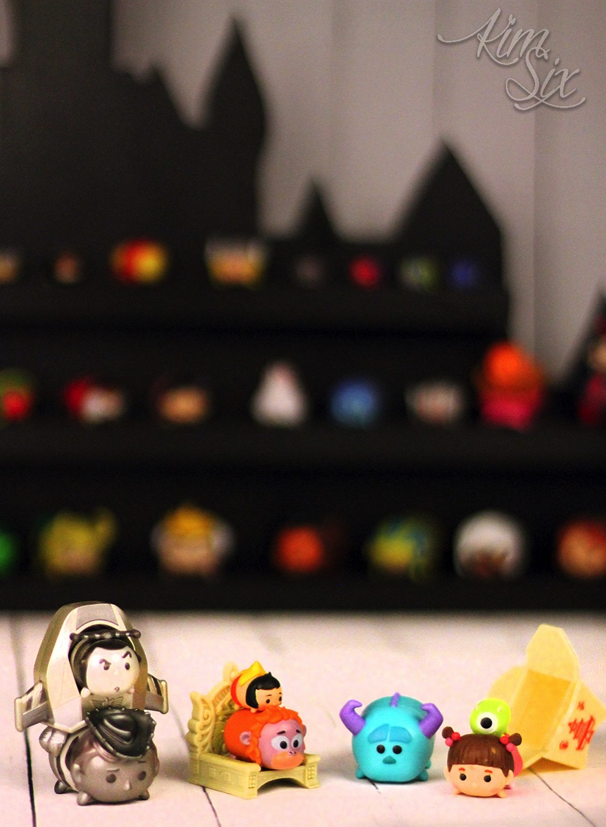 TsumTsum mini display shelf