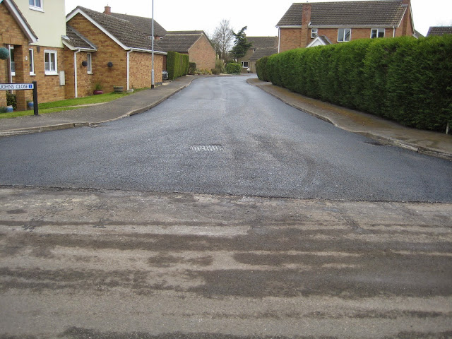 St Johns Close Resurfacing 23-03-2015. Pictures by Chris Cannon - IMG_1091.JPG