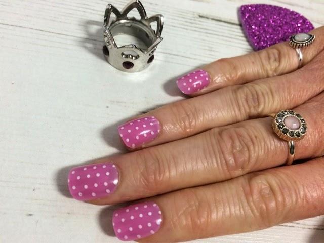 midweek-manicure-beauty-blog-fashion-false-nails-nail-art-finishing-touches-royal-baby-princess-charlotte-elizabeth-diana-polka-dot-nails-pink-nails