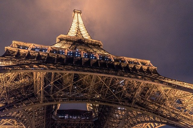 Top 10 Famous and Incredible Landmarks to Add to Your Bucket List - Amazing Places You Should Go