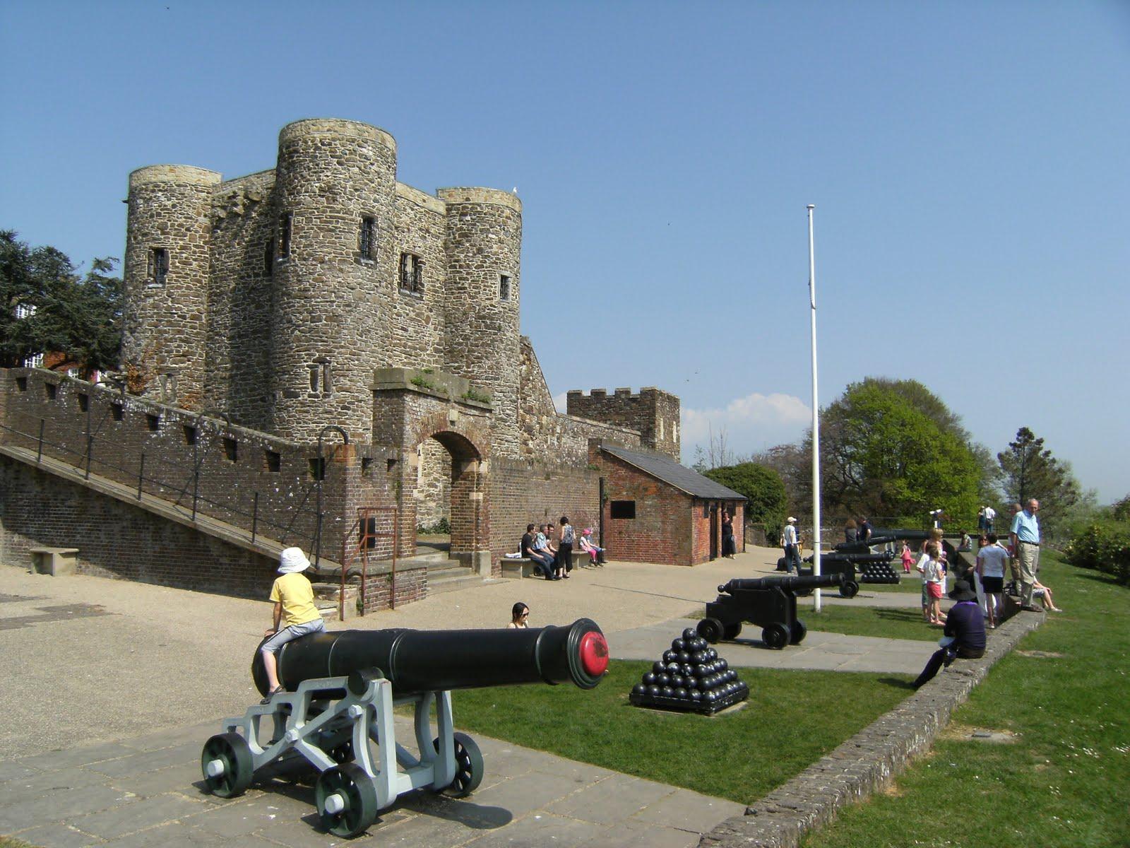 DSCF7352 Ypres Tower and Gun Gardens, Rye