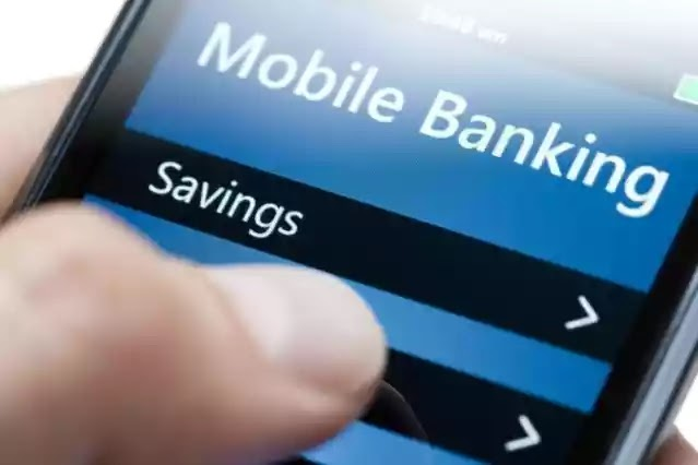 Central Bank Of Nigeria Sets Daily Limit Of Mobile Transfer At N100,000