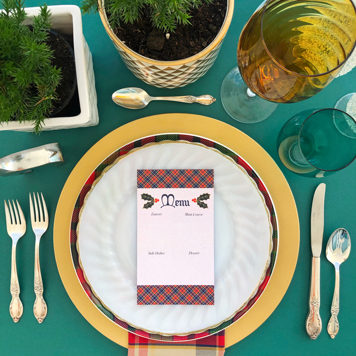 table setting, dinner party, lunch, brunch, Christmas, holidays, decoration, tablescape, menu card,