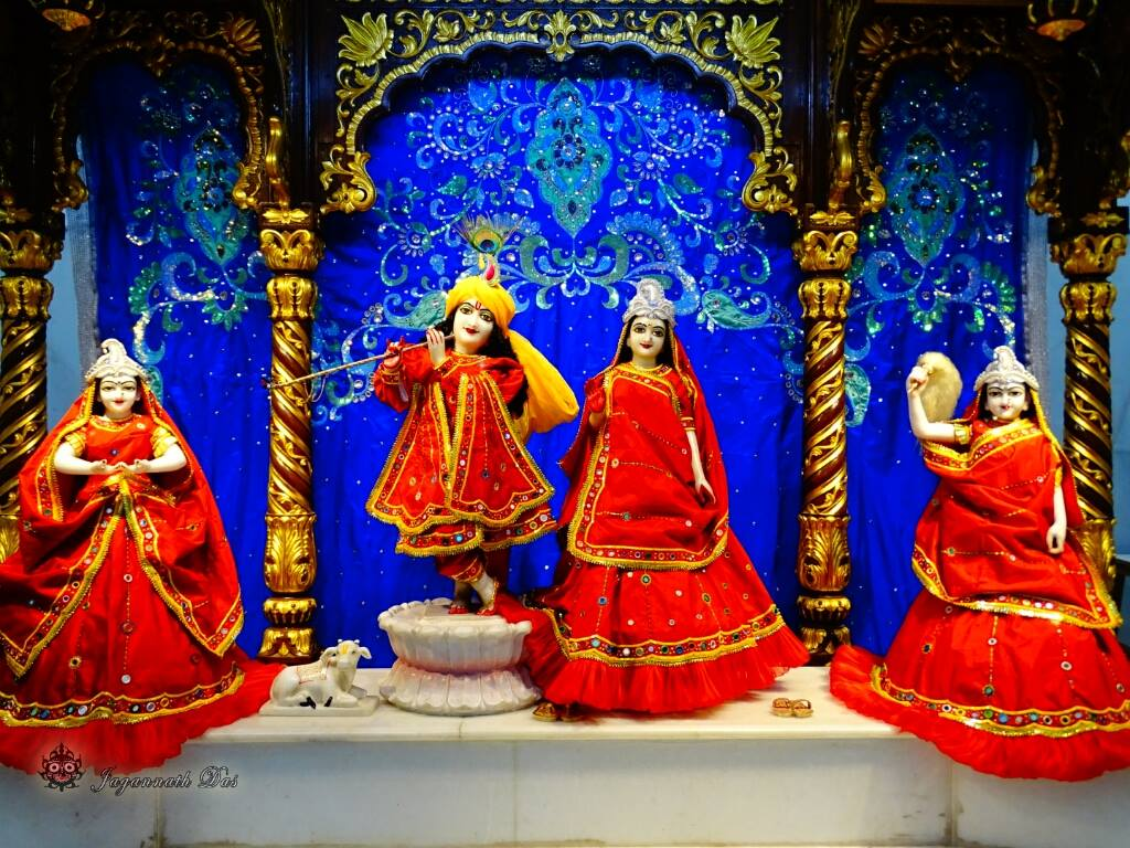 ISKCON Mira Road Mangal Deity Darshan 01 Mar 2016 (5)