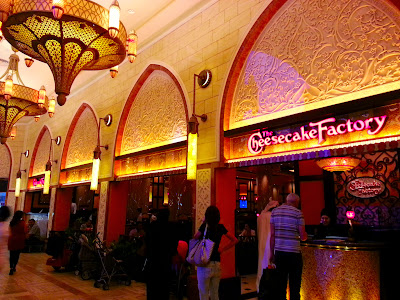 servicefromheart travelxp dubai mall uae emirates  cheesecake factory