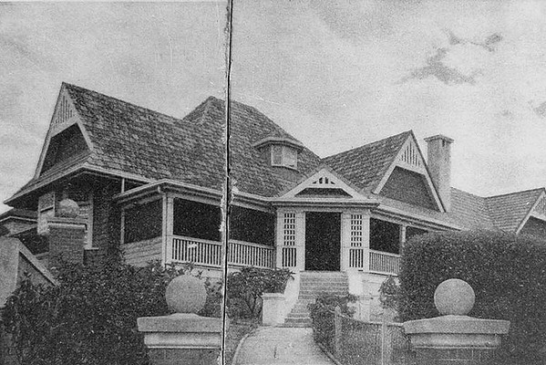 One of Dods' residential projects, a Federation-style residence called 'Wairuna'. The homestead was opened for service women in February, 1943. Photo: State Library of Queensland