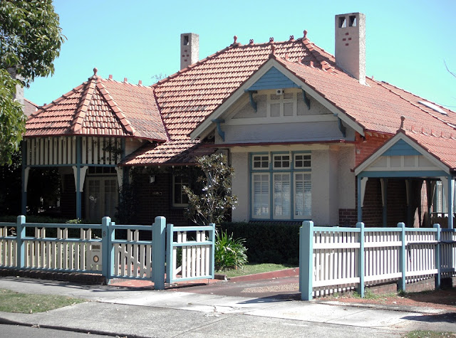 8 Rogers Avenue Haberfield, showing ridge ornaments and finials