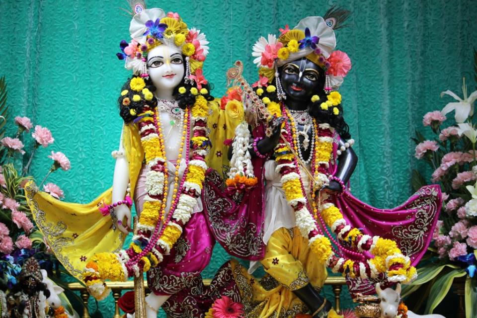 ISKCON Punjabi Bagh Deity Darshan 30 Mar 2016  (6)