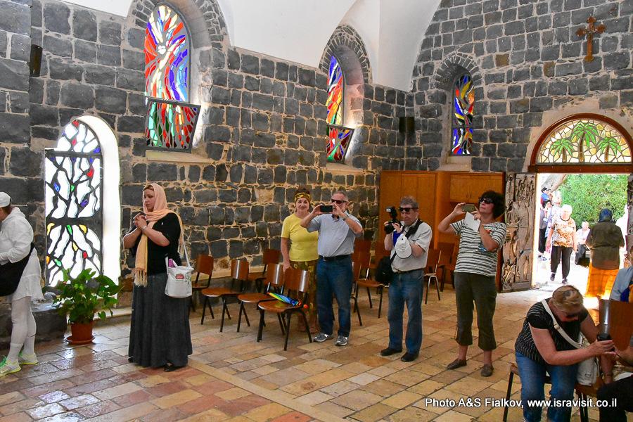 Экскурсия в церкови первенства Апостола Петра - менза кристи в Галилее. Гид Светлана Фиалкова.