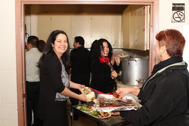 OLOS Navidad 2010 con Amigos Migrantes - IMG_9819.JPG