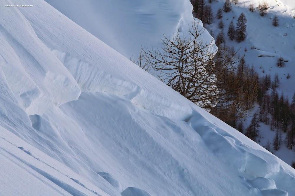 Avalanche Oisans, secteur Puy Saint Vincent, Couloir des Faveyrettes (deuxième couloir de Narreyroux avec départ direct depuis la crête sommitale), sous la Pointe de la Pendine - Photo 1 - © Duclos Alain