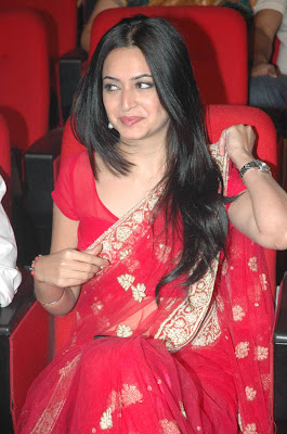 Kruthi Kharbanda at Teen Maar Audio Launch