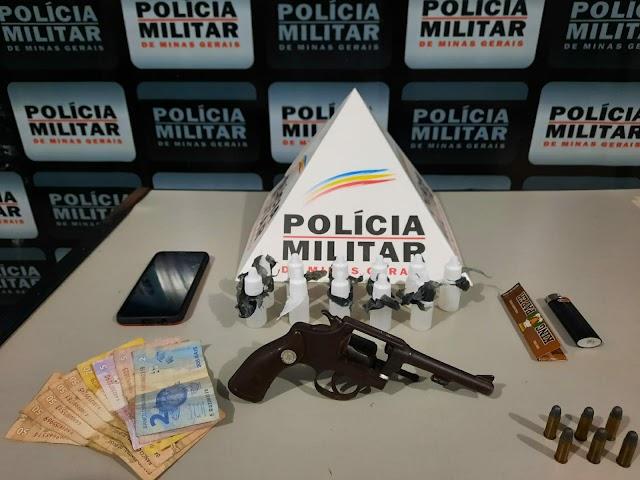 """Divino: Homem é preso pela Polícia Militar com frascos de """"Loló"""", Arma de Fogo e Munições"""