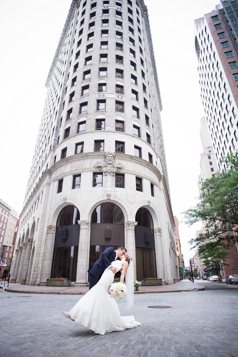 Gregory and Lindsay - Blueflash Photography 222.jpg