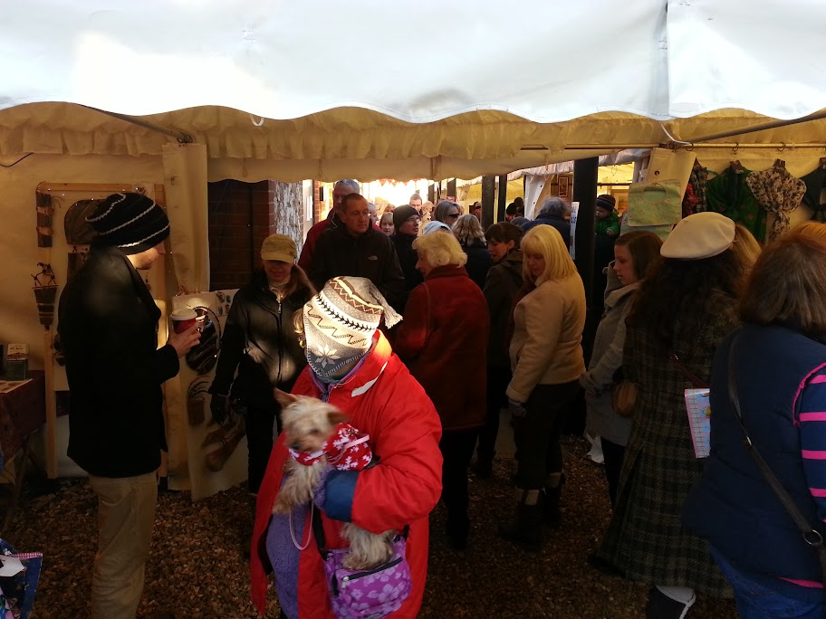 Deepdale Christmas Market 2017, Dalegate Market, Main Road, Burnham Deepdale, North Norfolk Coast, PE31 8FB   Stock up on all those Christmas decorations and presents at the Deepdale Christmas Market, while enjoying plenty of festive cheer and carols.   christmas market, festive cheer, presents, decorations, dalegate market, saturday, sunday, north norfolk coast, toys, gifts, jewellery, traditional, accessories, wines, meads, clothing, carols, food, drink