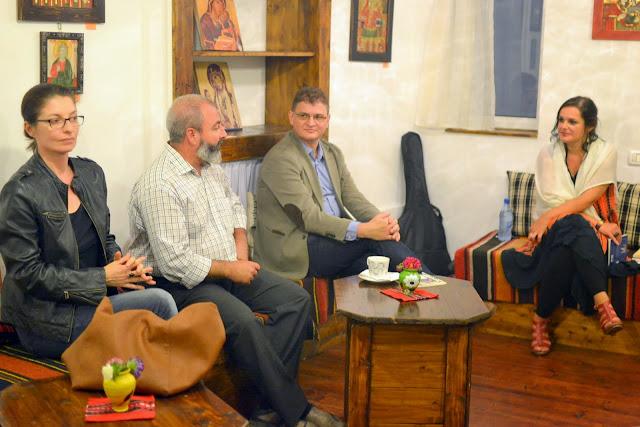 Seara literara - Editura Eikon lanseaza patru carti, La Vulturi (2014.09.03) 059