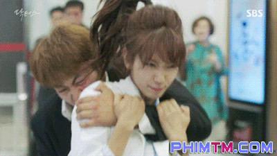 Sởn da gà với loạt cảnh phim không dùng đóng thế của diễn viên Hàn Quốc - Ảnh 4.