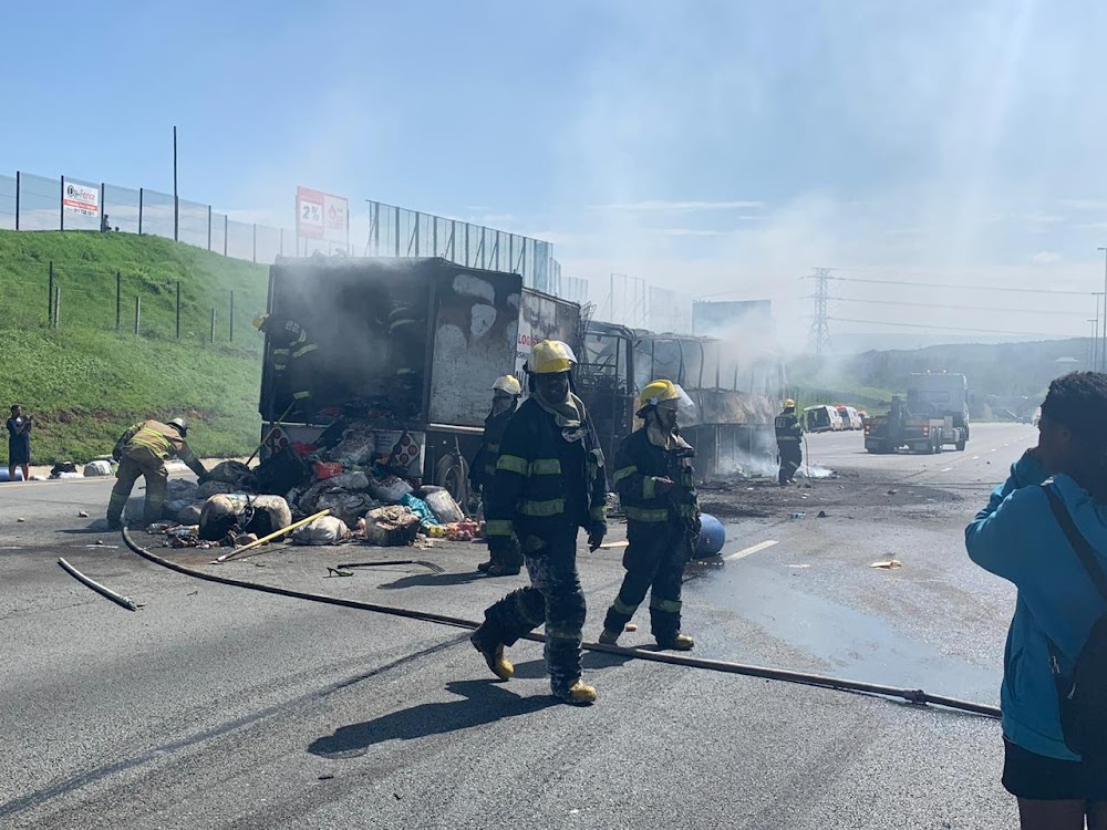 Christmas sorrow for passengers stranded by N1 bus fire - SowetanLIVE