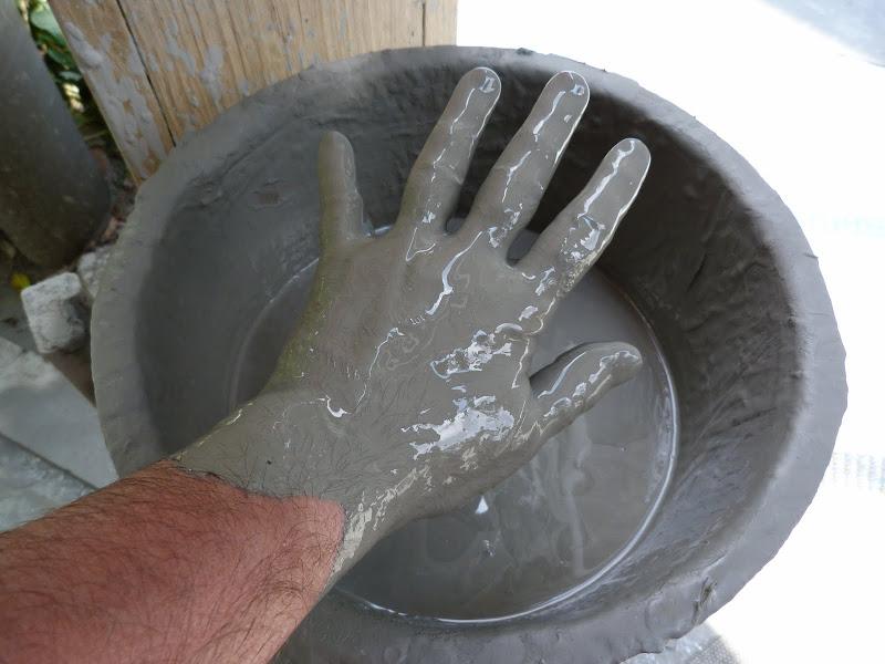Comme du ciment mais très très fin. Rare à Taïwan.Adoucirait la peau.Aurait des vertus thérapeutiques...mais lesquelles?