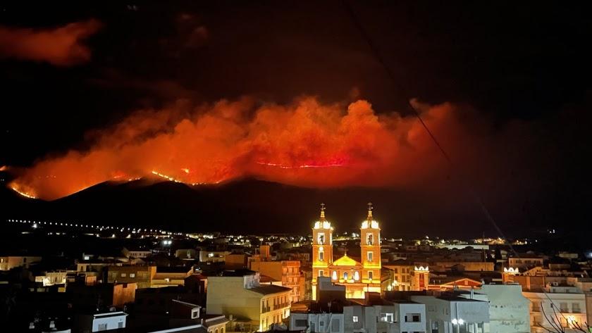 Imagen del incendio en Castala.