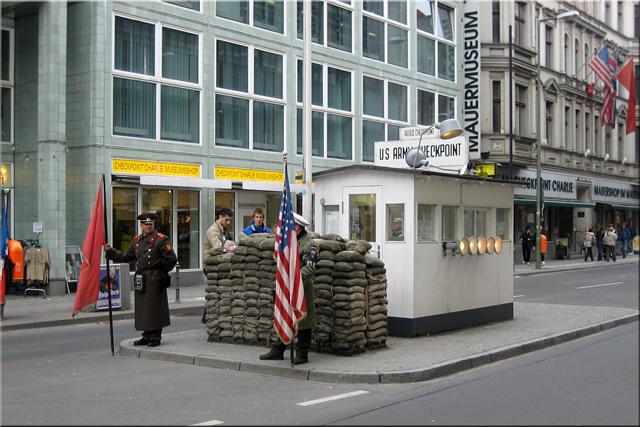Checkpoint Charlie – Berlín'10