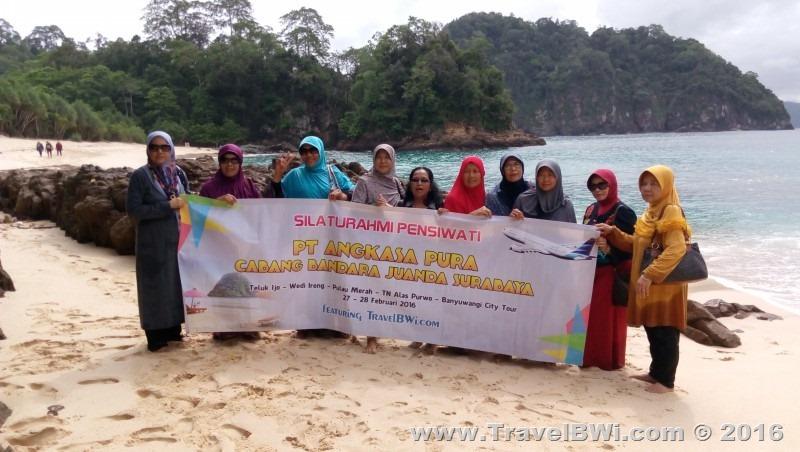 Paket Tour Wisata 2h1m Banyuwangi Selatan - PT Angkasa Pura Juanda Surabaya - Teluk Ijo Green Bay