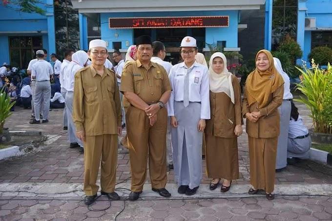 Luar Biasa, Siswa SMA 8 Pekanbaru Raih Mendali Perunggu Olimpiade Kimia Se-Sumatera.