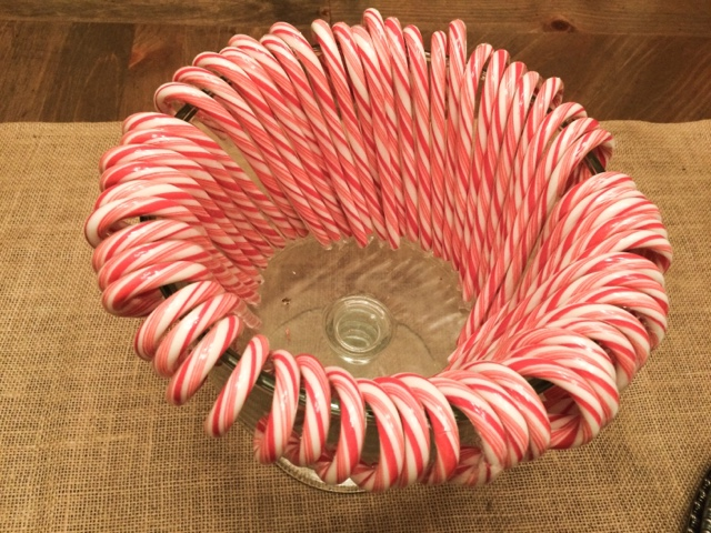 An easy lovely and inexpensive christmas centerpiece