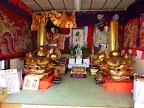 本村町会神酒所の山車人形と獅子頭