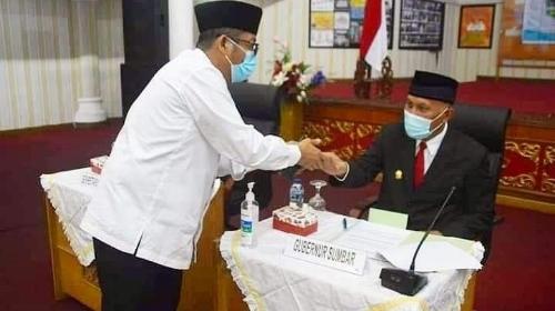 Gubernur Mahyeldi Tunjuk Wawako Hendri Septa Jadi Plt Wali Kota Padang.