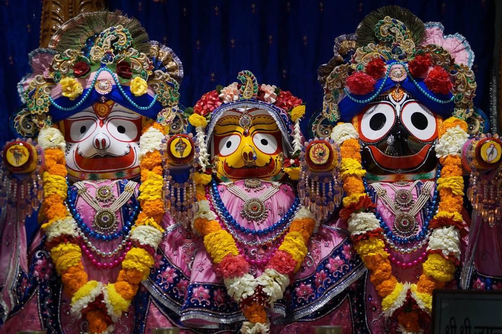 ISKCON Noida Deity Darshan 03 Feb 2016 (9)