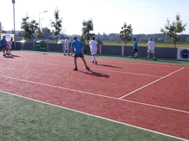 ČSFA - rodinný turnaj 2011 (záver) - 2011-09-24%2B10.12.42.jpg