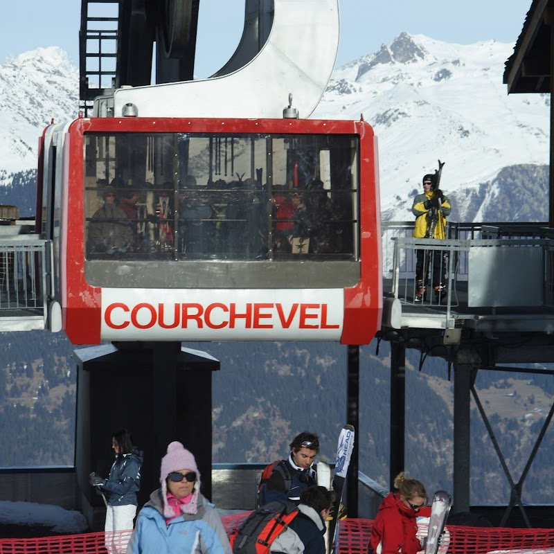 Meribel_74 Saulire Cable Car.jpg